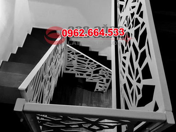 Lan Can Cầu Thang Sắt mỹ Thuật Cắt CNC 033