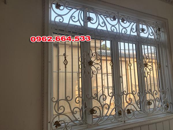 hoa cửa sổ sắt mỹ thuật