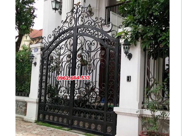 cửa cổng sắt mỹ thuật 2 cánh