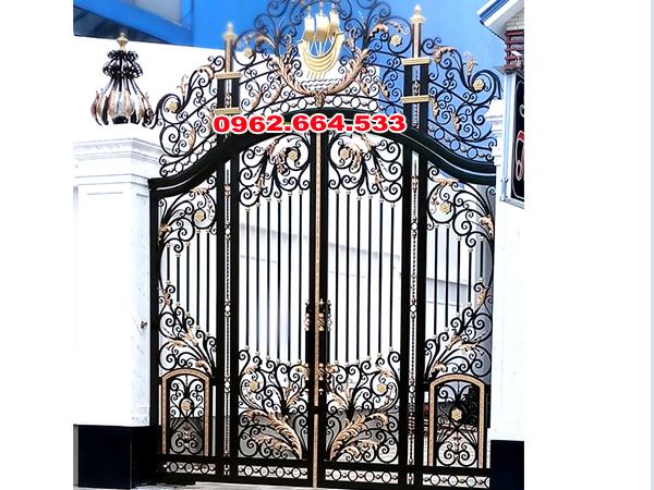 địa chỉ uy tín làm cổng sắt mỹ thuật