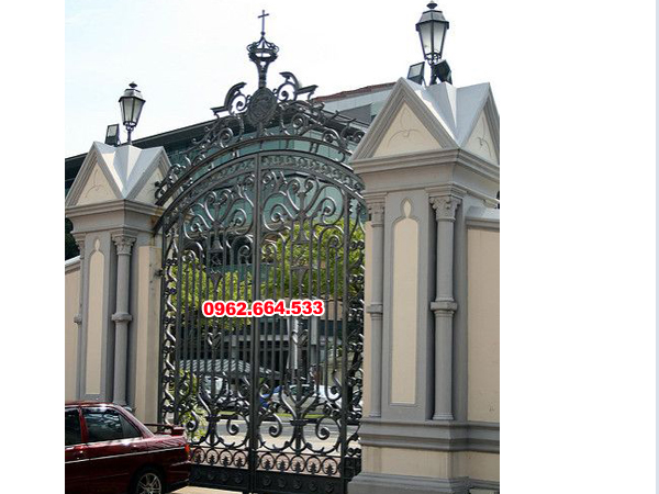 thi công cổng cửa sắt